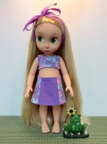 Best sewing patterns for 18 inch dolls like American Girl and 16 inch dolls like Animators from OhSewKat. Find easy sewing patterns to download and print at home. Easy to sew, fun to make! #18inchdoll #sewingpattern #animators #ohsewkat