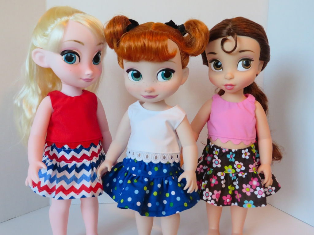 Oh Sew Kat doll skirt pattern Four Season Skirt animator- free skirt sewing pattern for dolls by Oh Sew Kat! #diydollclothes #animatordolls