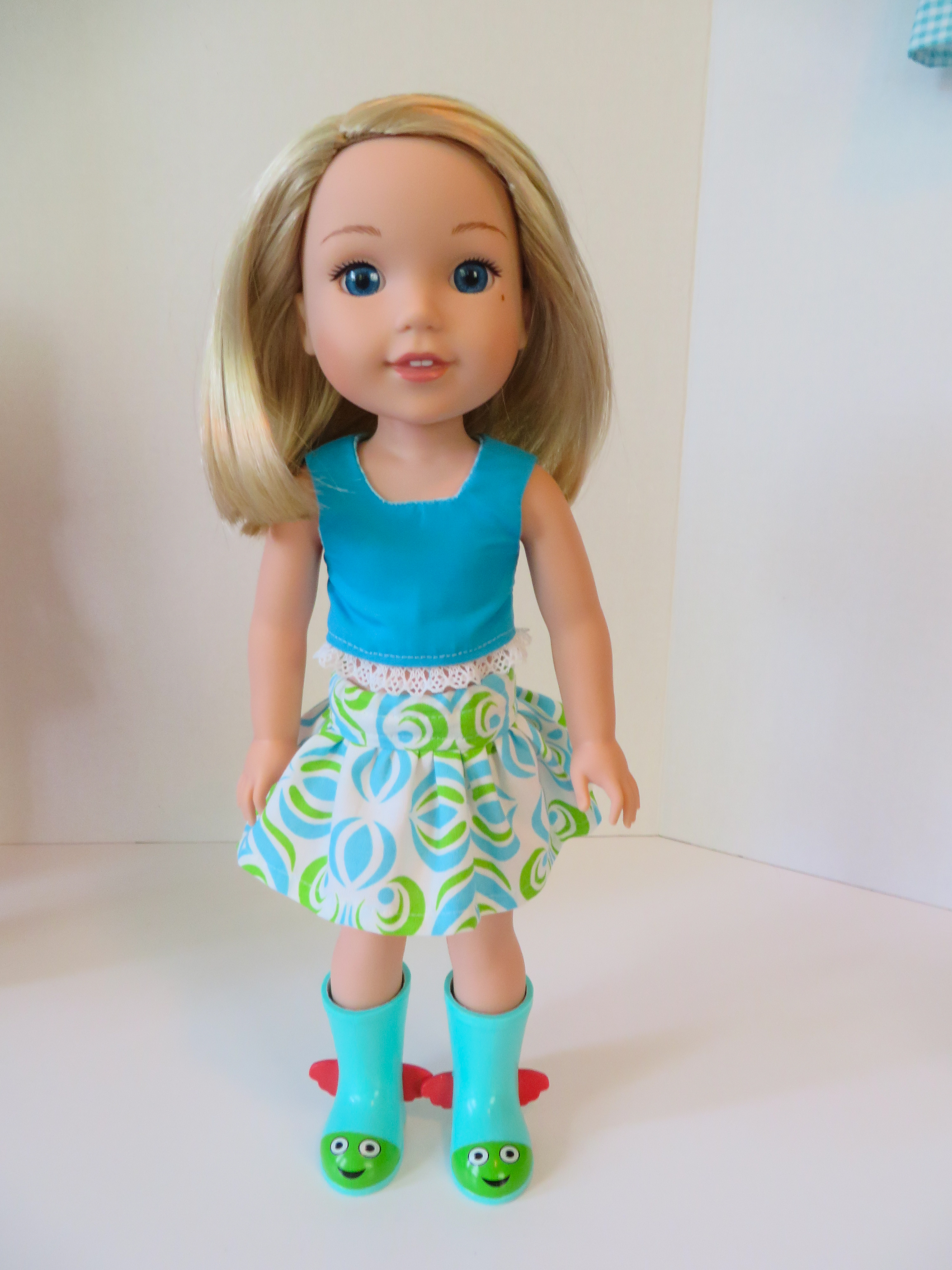 Find easy sewing patterns to make doll clothes for Wellie WIshers dolls at Oh Sew Kat! Free skirt pattern and lots of simple pdf patterns to choose from.