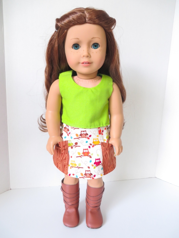 Sixth grade skirt with pockets for dolls