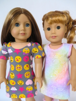 Make a tee shirt dress from a tee shirt pattern hack by Oh Sew Kat! Make American Girl Doll Clothes with easy sewing PDF patterns from Oh Sew Kat! Blog with craft tutorials and free skirt pattern. #ohsewkat #dollclothes #dress #18inchdolls #sewing