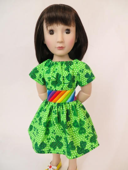 Sew up a lucky shamrock dress for your doll with this very easy sewing pattern from Oh Sew Kat! Designs. Quick and easy PDF doll patterns. Find a free skirt pattern at www.ohsewkat.com. #stpatricksday #dollclothes #irish #shamrock