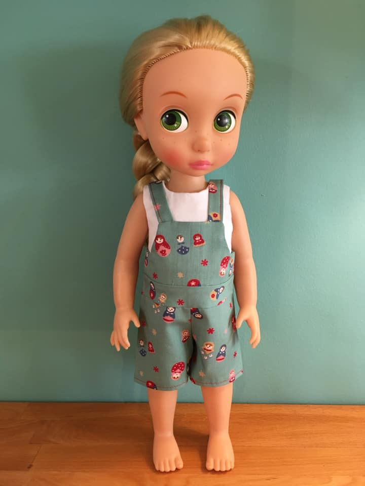 Make easy overalls for girl and boy animators dolls with this digital PDF sewing pattern from OH Sew Kat! Easy to sew beginner level doll clothes patterns for animators like Anna, Elsa and Rapunzel. #animators #dollclothes