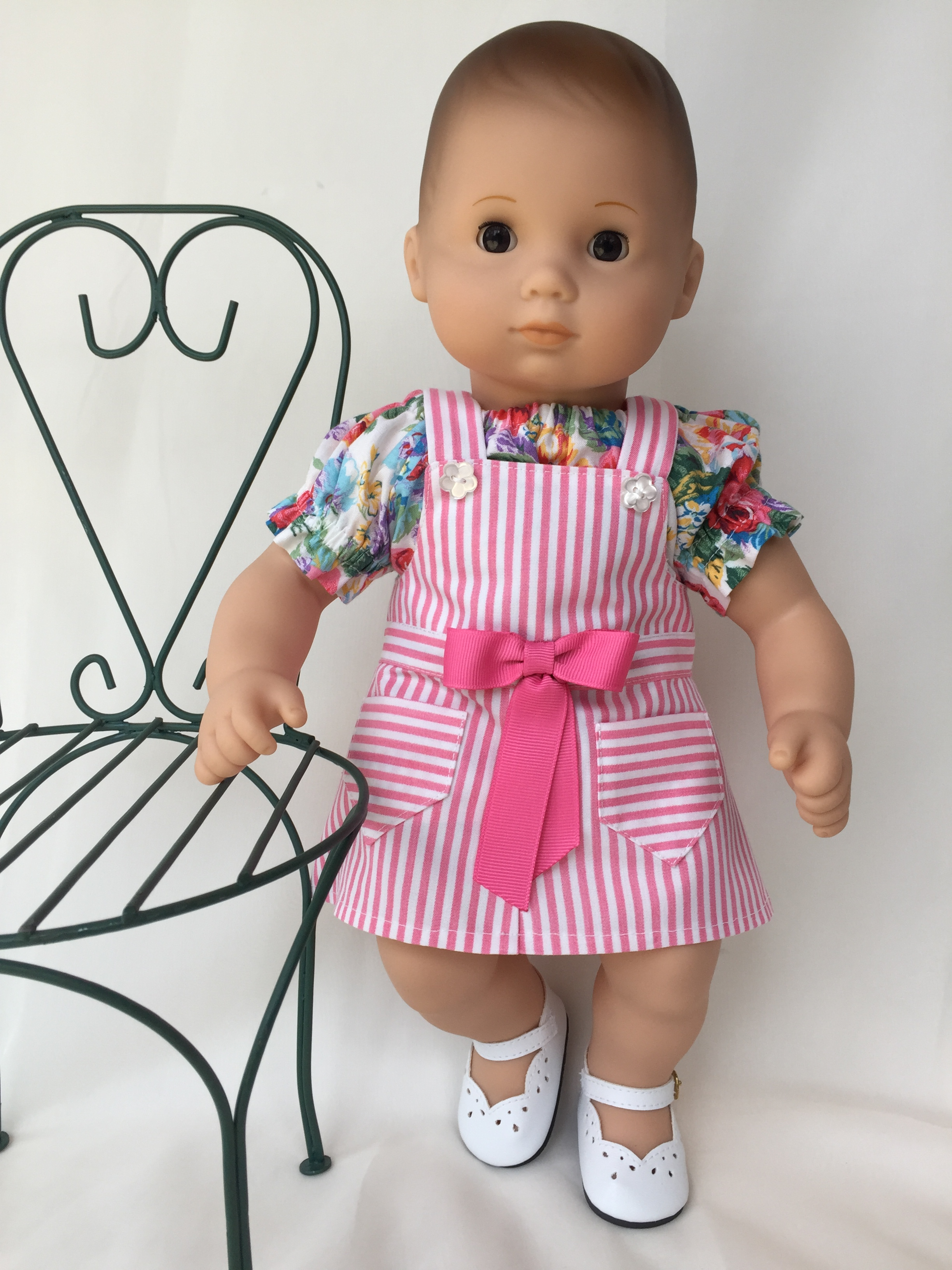 Make overalls for your dolls with the quick and easy Backyard Bibs 18 inch doll PDF sewing pattern by oH Sew Kat! #blairewilson #overallspattern #diy #ohsewkat