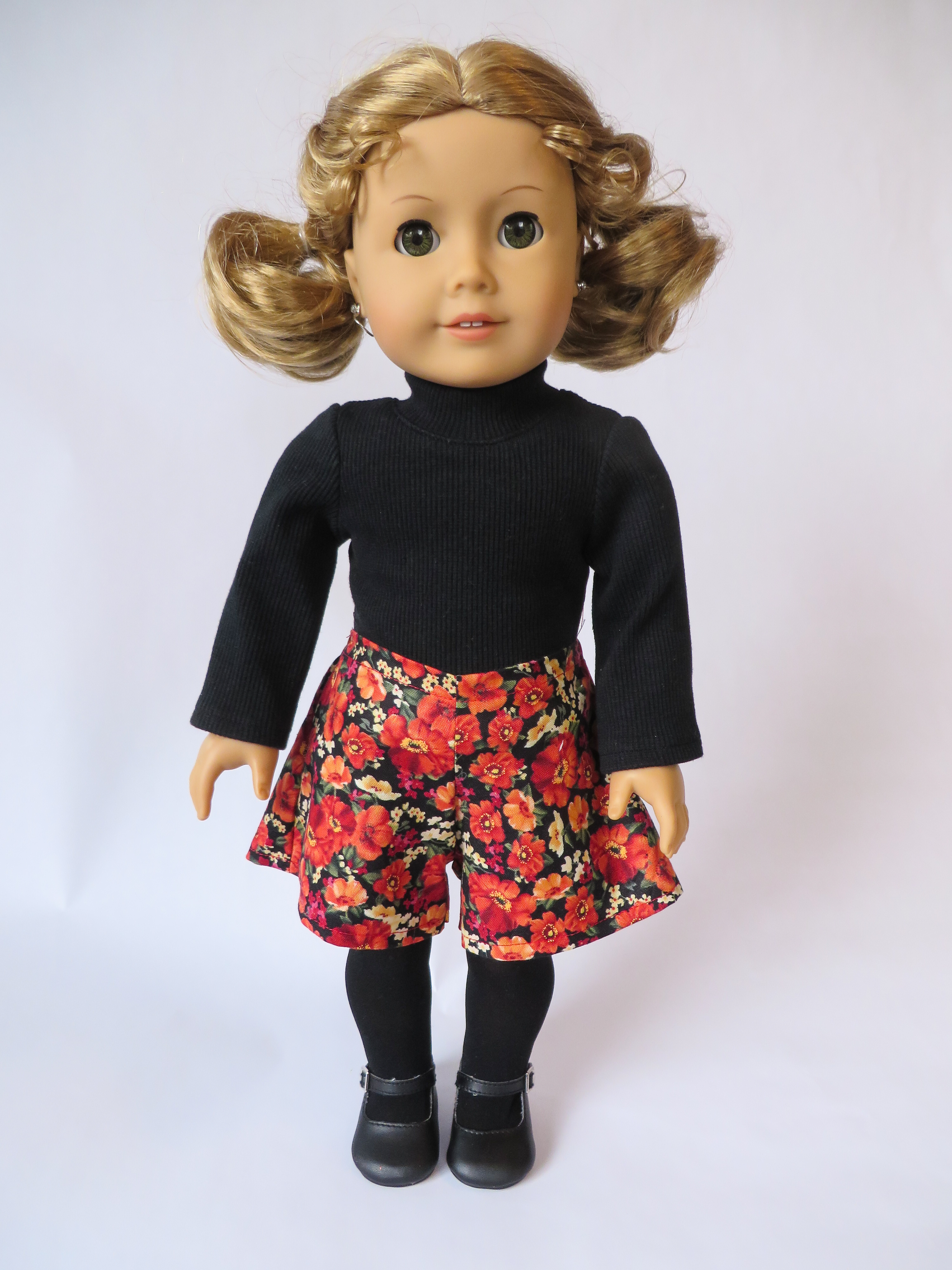 Easy sewing patterns for 18 inch dolls like American Girl. Sew a fall outfit for dolls with easy pdf digital sewing patterns from oh sew kat