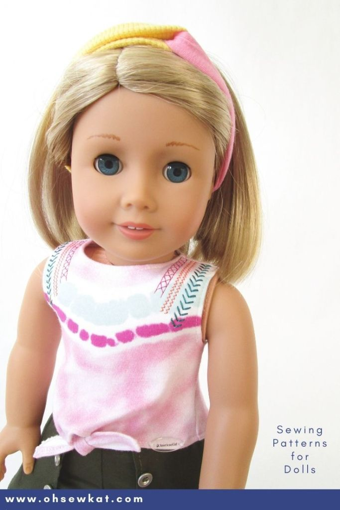 Make your 18 inch doll a two colored knit headband just like Kira's from American Girl. Easy to follow sewing tutorial for dolls by Oh Sew Kat!