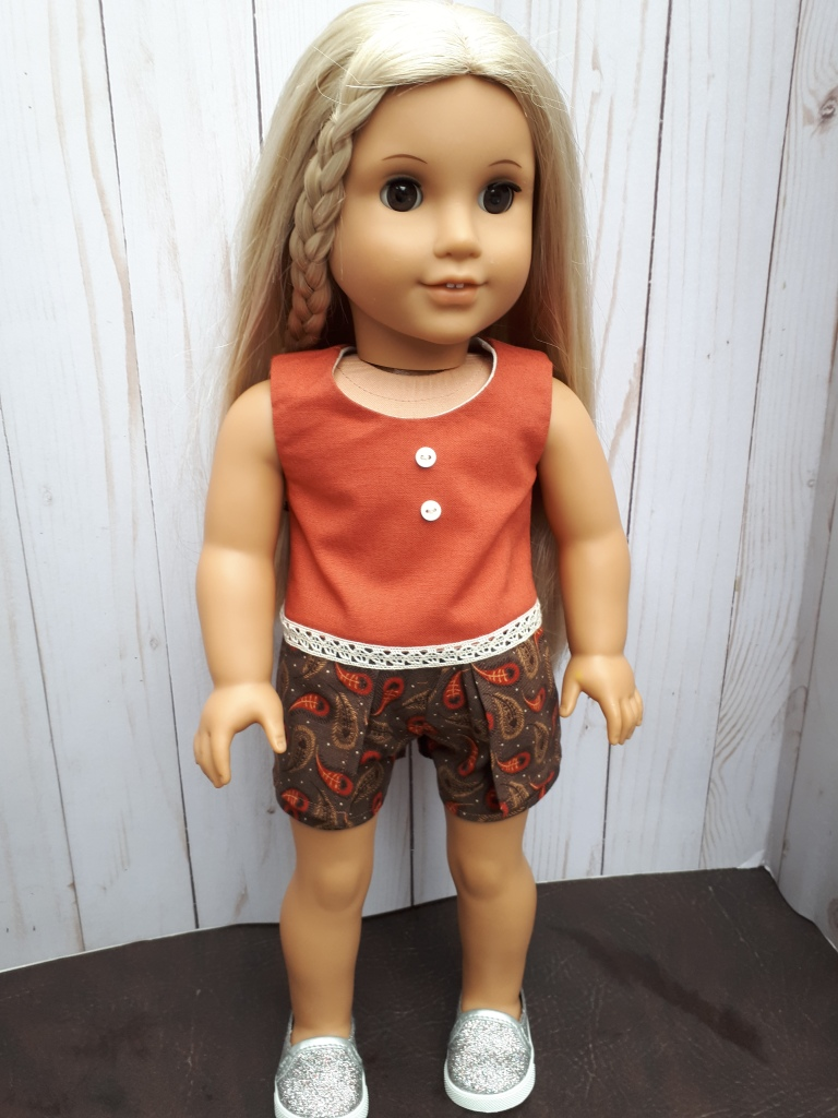 Make a skort and top outfit for your American Girl doll with easy to sew PDF sewing patterns from Oh Sew Kat!